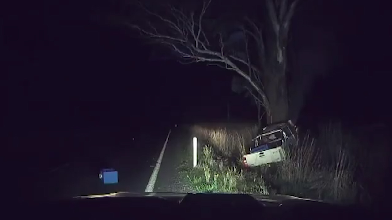 NSW hero pulls man from burning ute