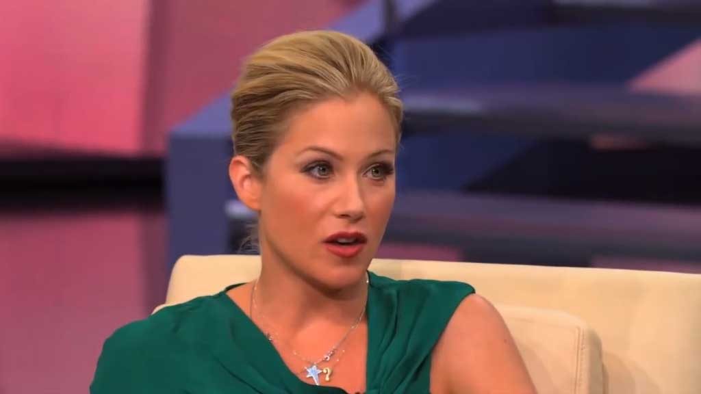 Christina Applegate recalls her decision to get a double mastectomy
