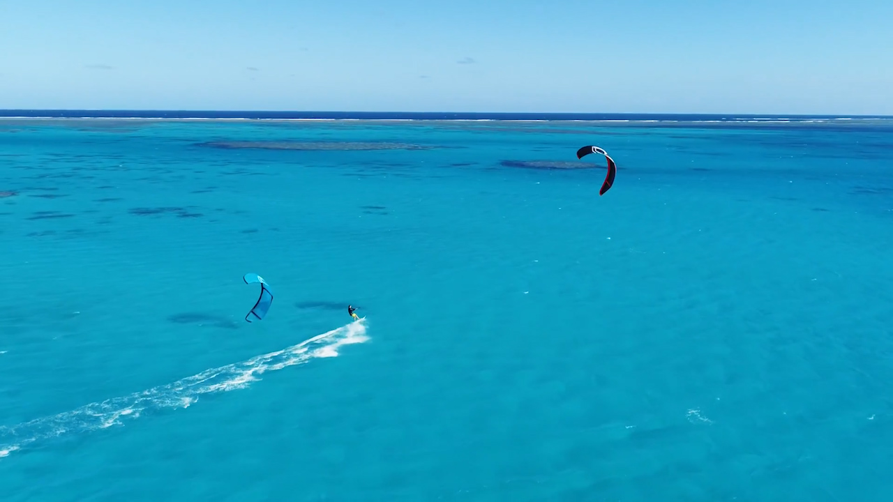Kite surfing the Great Barrier Reef