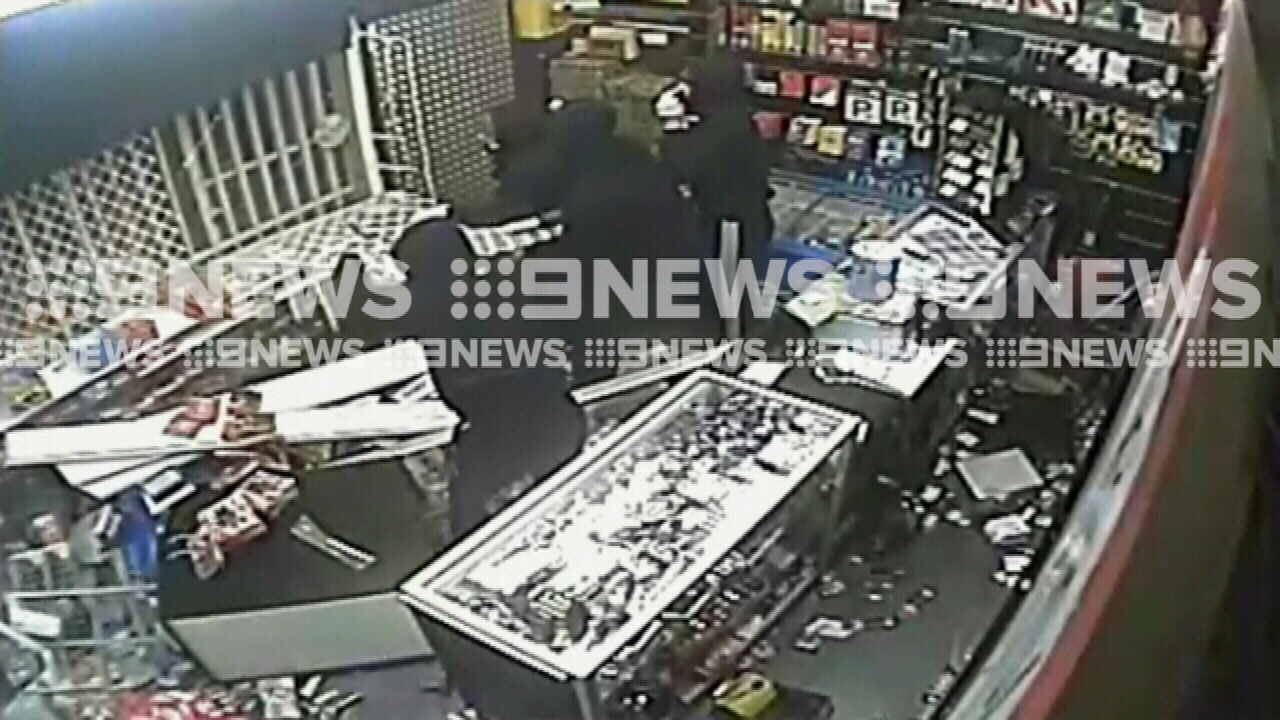 Armed thieves trapped during store robbery