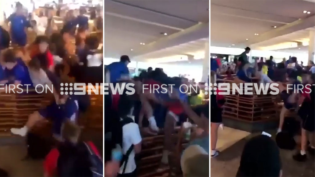 Schoolchildren fight in Sydney shopping mall