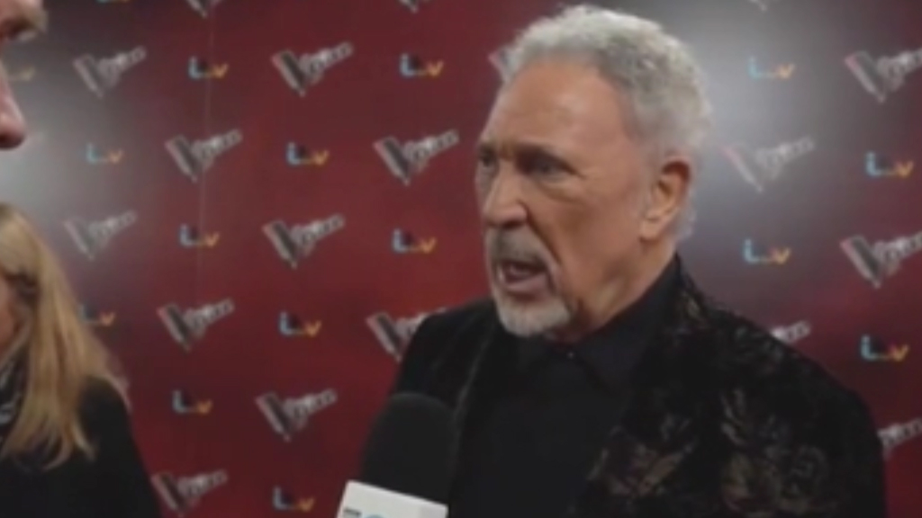 Tom Jones talks about sexual harassment in Hollywood