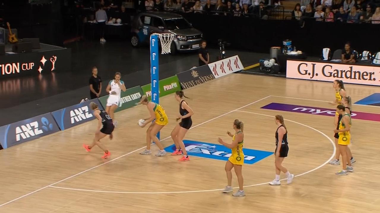 Aussies beat New Zealand