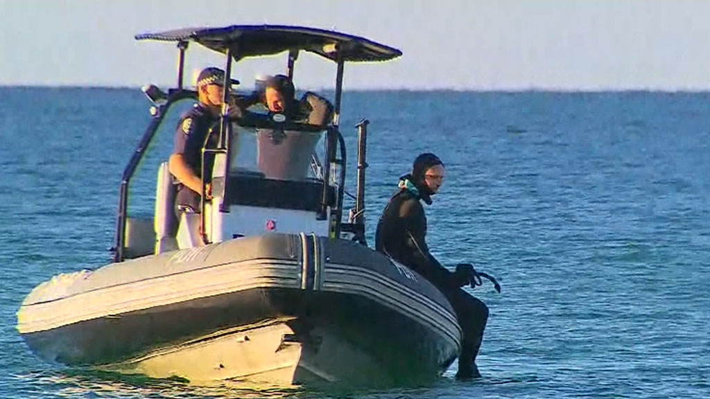 Body of teen recovered from Adelaide beach