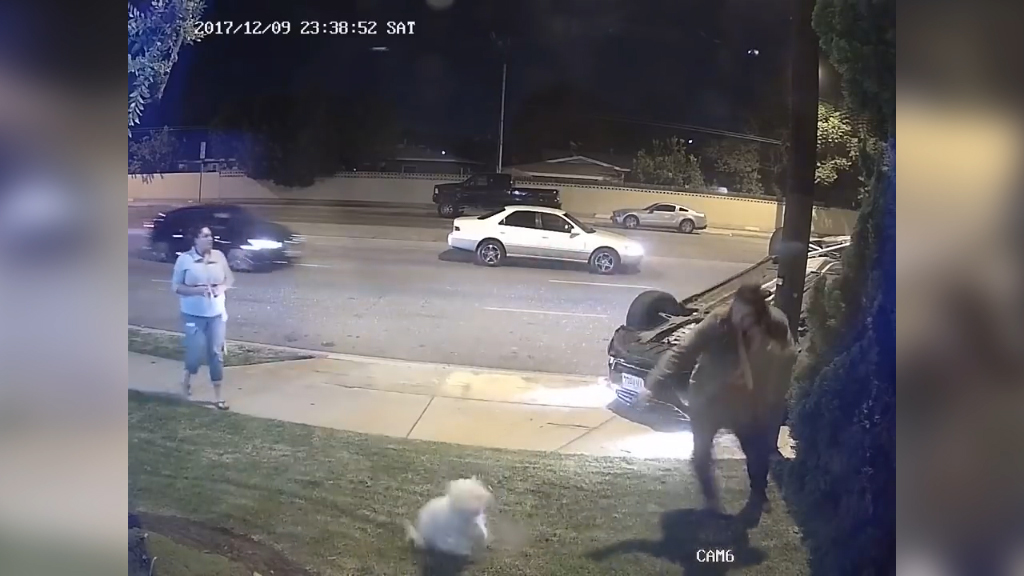 Bystanders slow to respond to high speed crash
