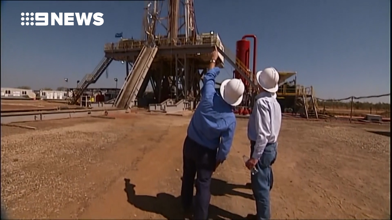 Pressure mounting on NT government from both sides of fracking debate