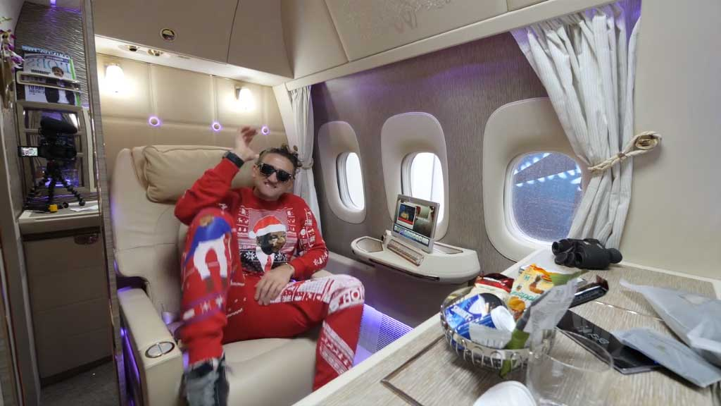 Inside Emirates' ridiculous first class suite