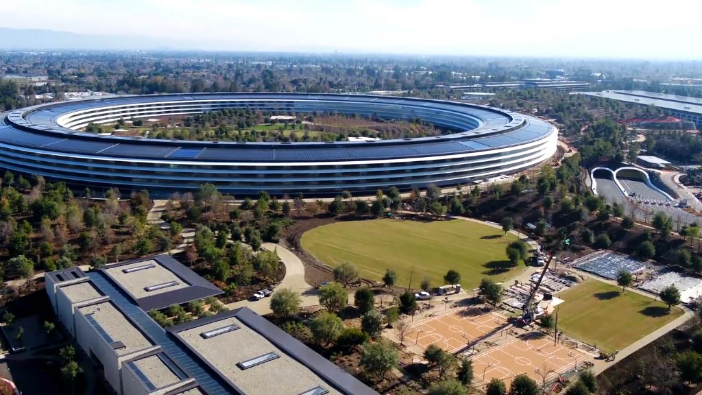 Flyover of Apple's $5 billion 'spaceship'