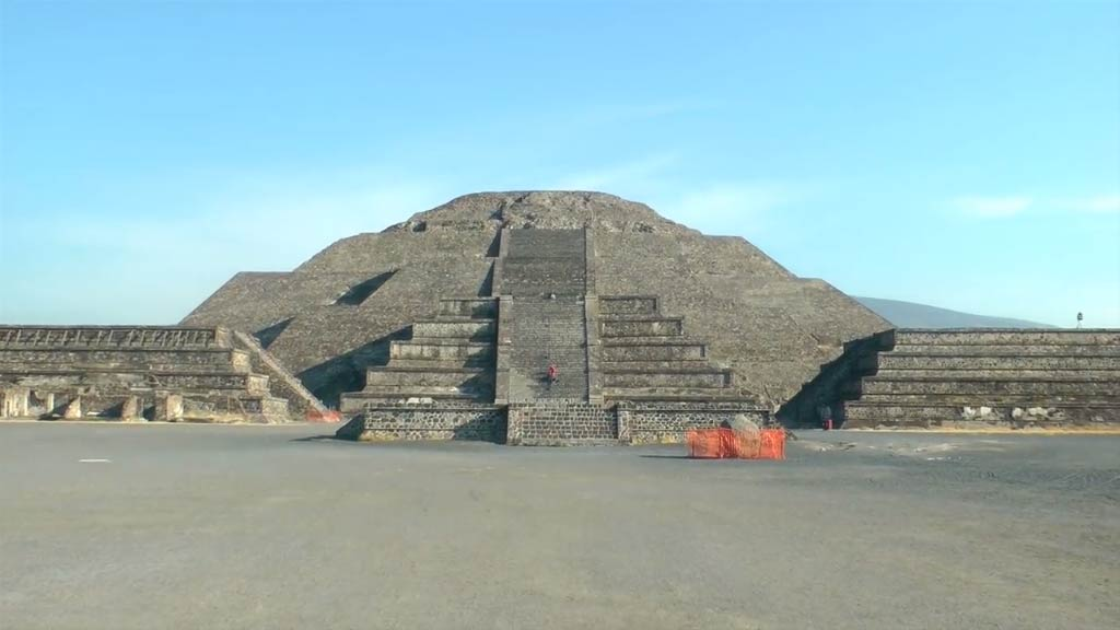 The Aztec Pyramids of Teotihuacan