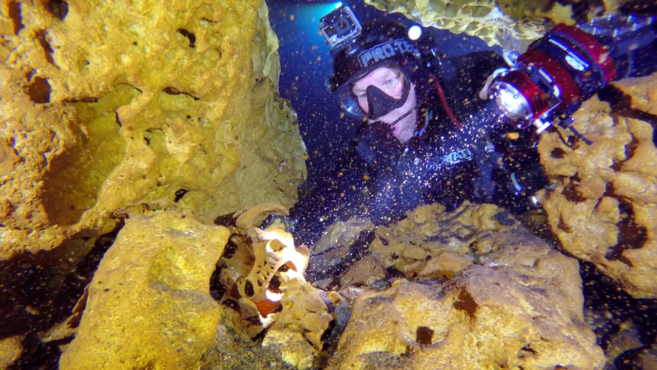 Divers swim world's largest flooded cave