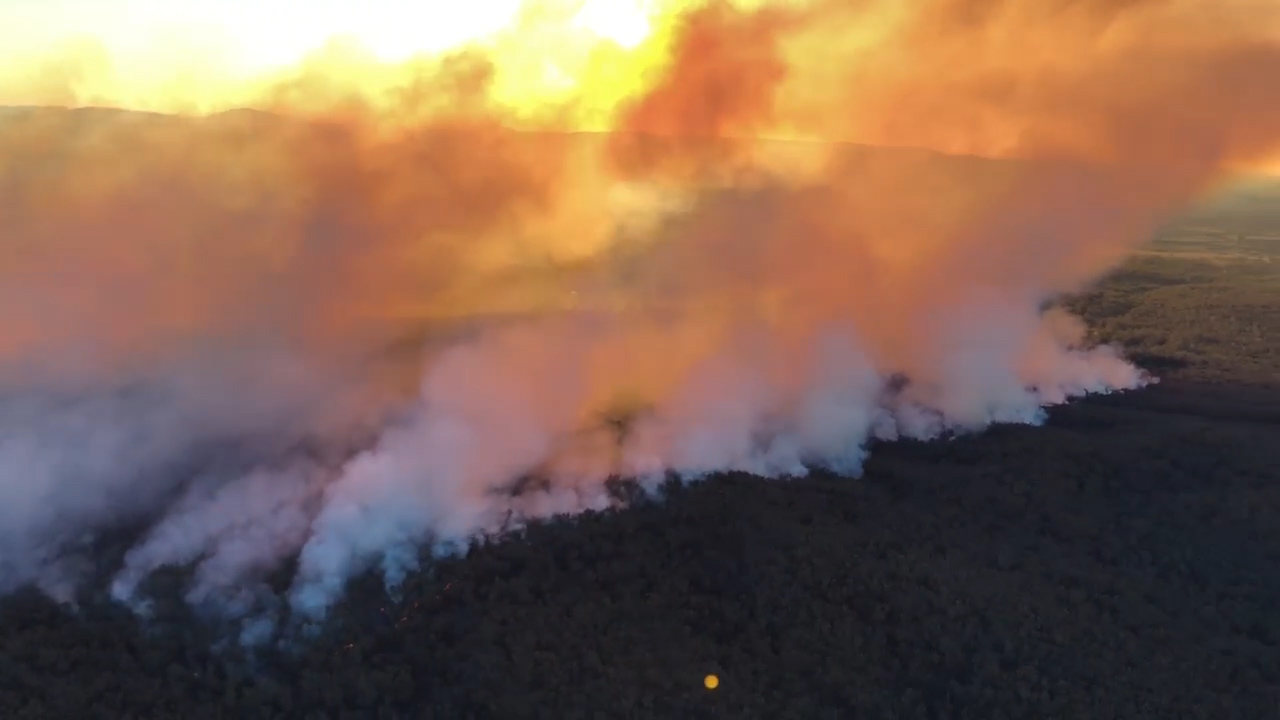 Braidwood bushfire burning out-of-control