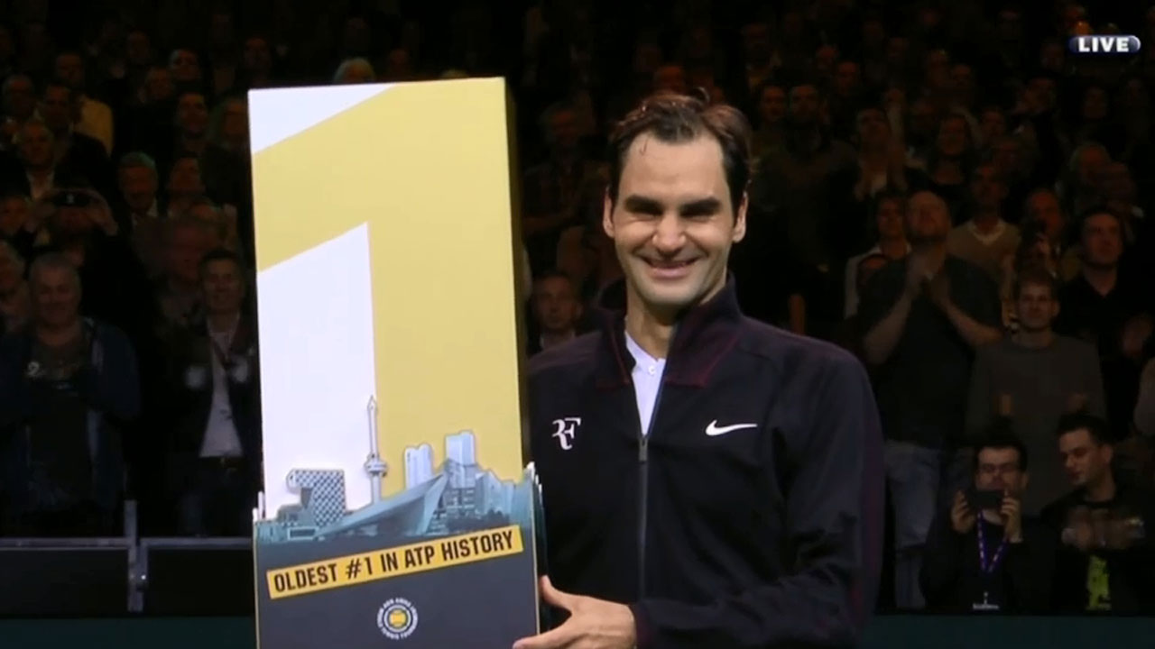 Federer returns to No.1 ranking