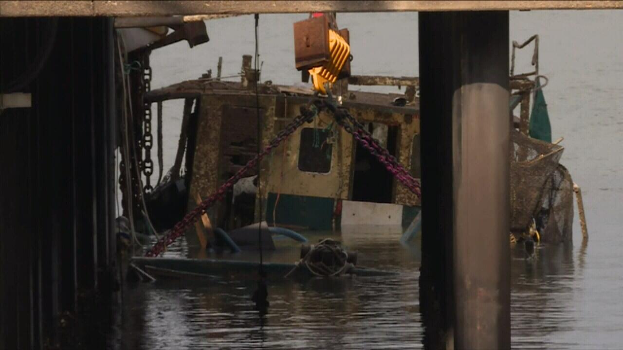 Rescue crews refloating fishing trawler 'Dianne'