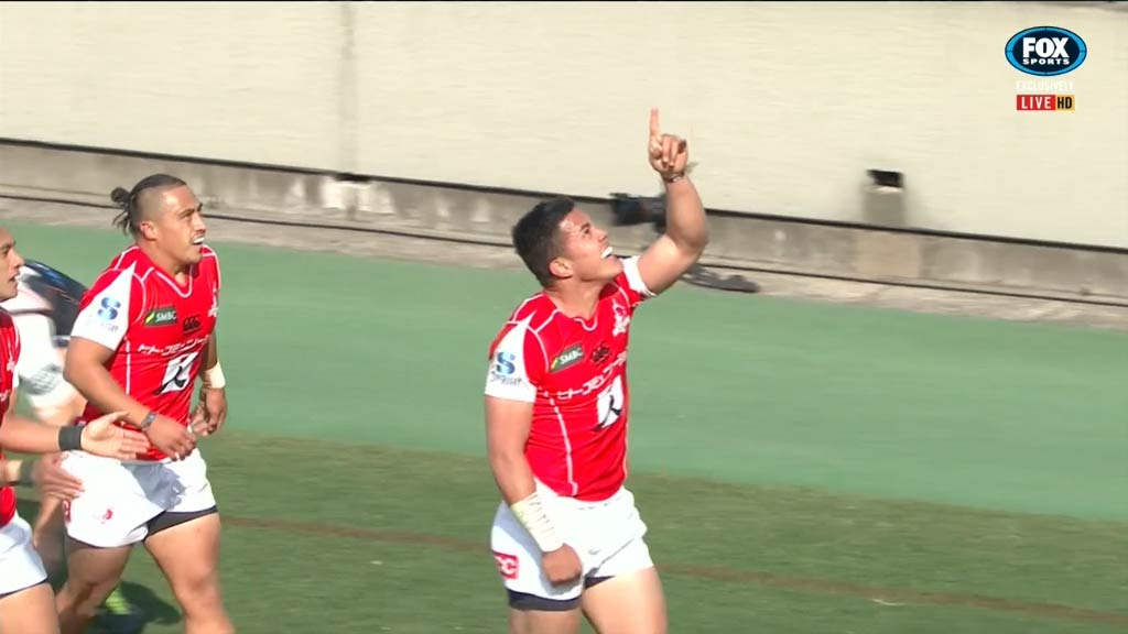 Saumaki scores his second for the Sunwolves