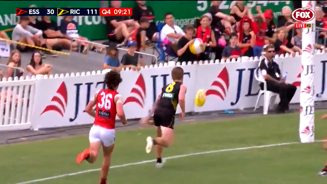 Riewoldt gets clever assist