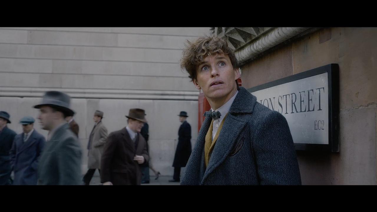 Fantastic Beasts: The Crimes of Grindelwald (Official teaser trailer)