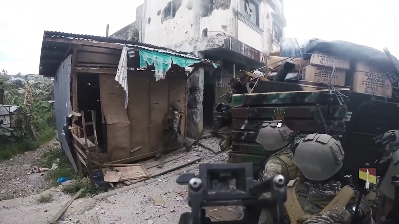 Philippines army fights Islamic State extremists in Marawi