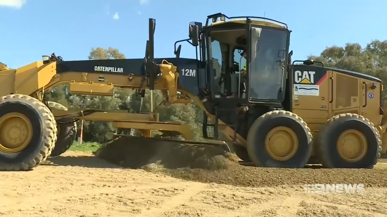 Wagga bank levee construction back on track