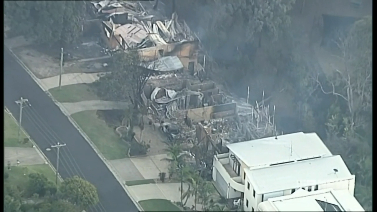 Residents return to fire-ravaged homes in Tathra