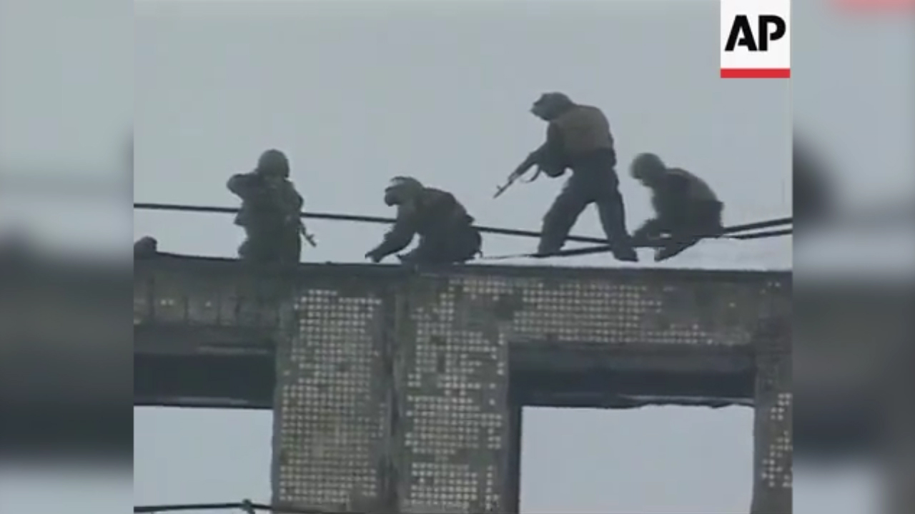 Abseiling police perform anti-terror drill