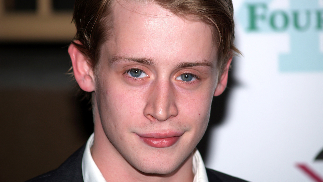 Macaulay Culkin reminisces on time he lost his virginity