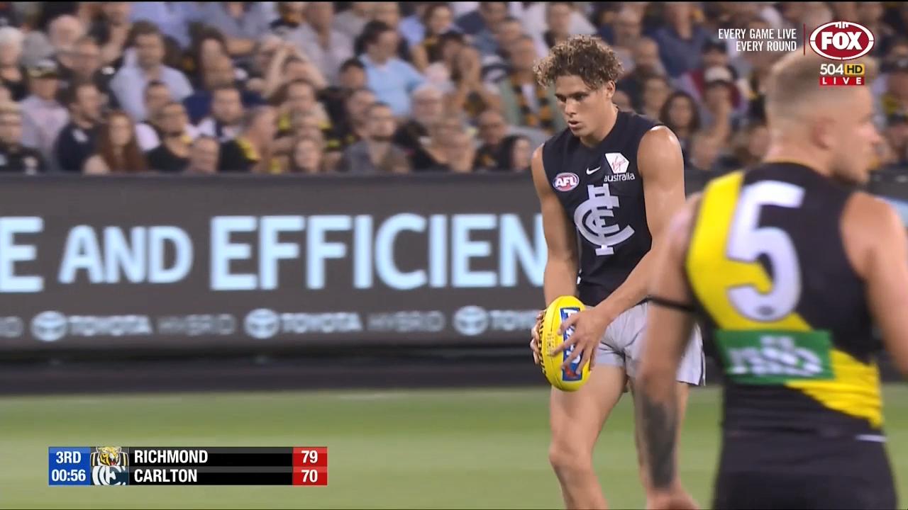 Curnow keeps Carlton close