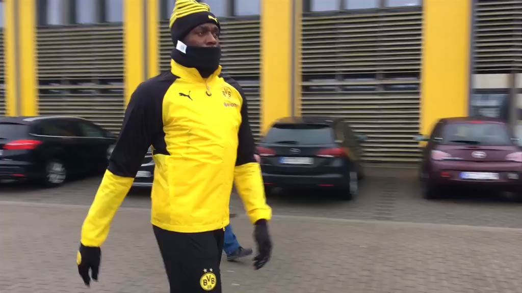 Bolt trains with Borussia Dortmund