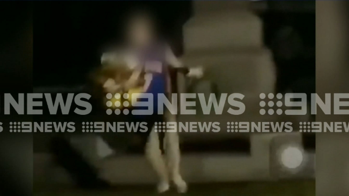 Teens caught on camera stealing wreaths from ANZAC memorial