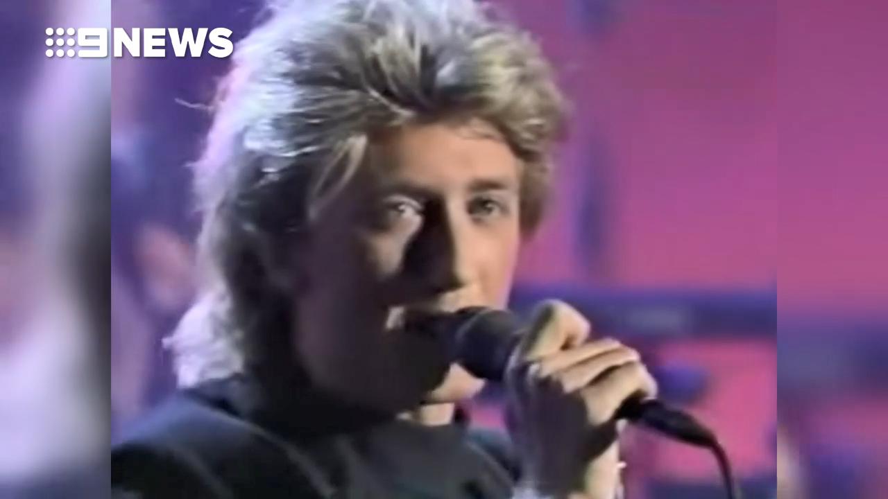 Wa Wa Nee star Paul Gray performs