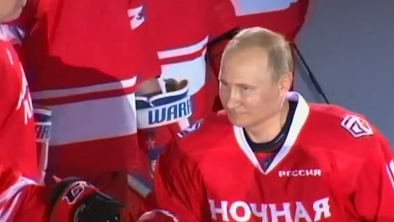 Putin hits the ice