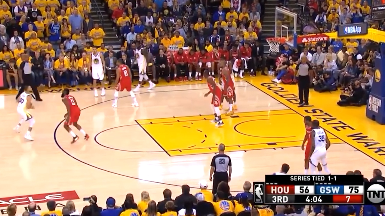 Curry catches fire in West Finals