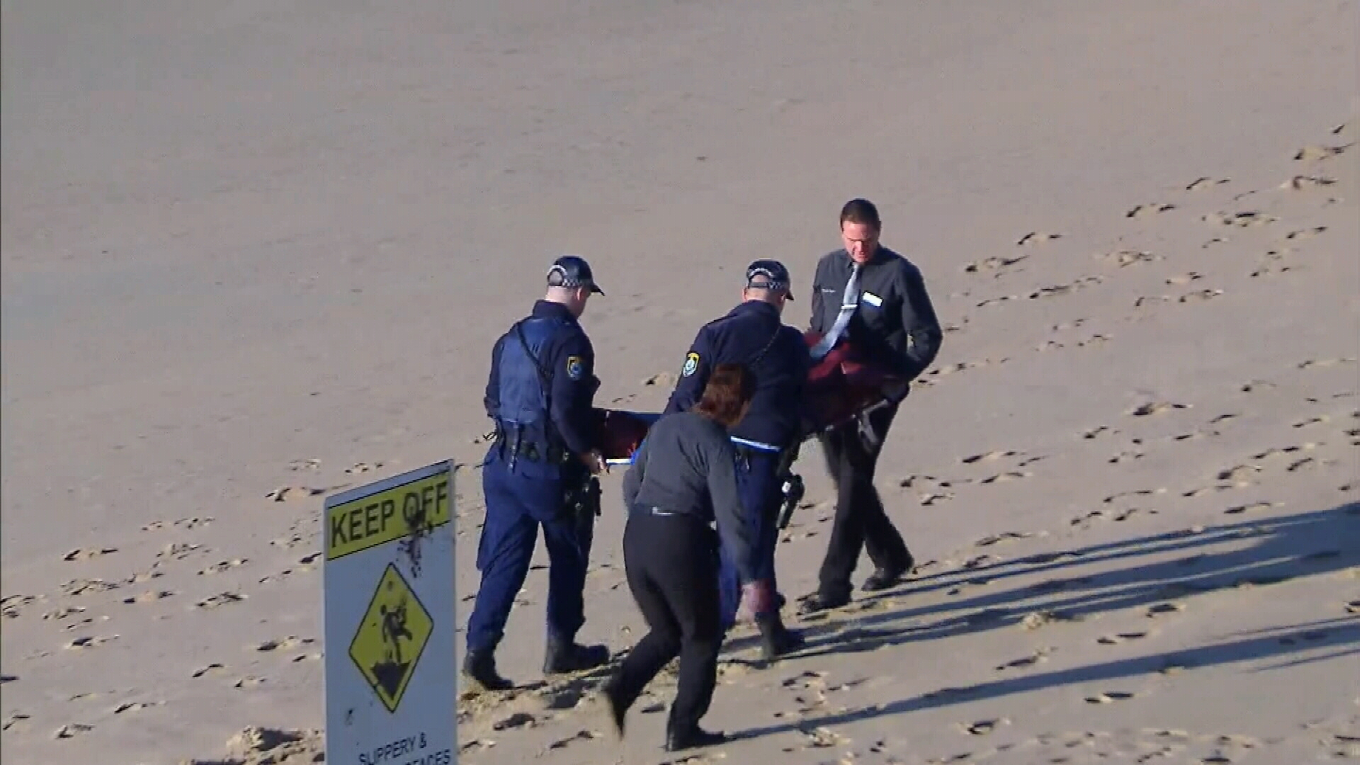 Woman's body found washed up on North Cronulla Beach