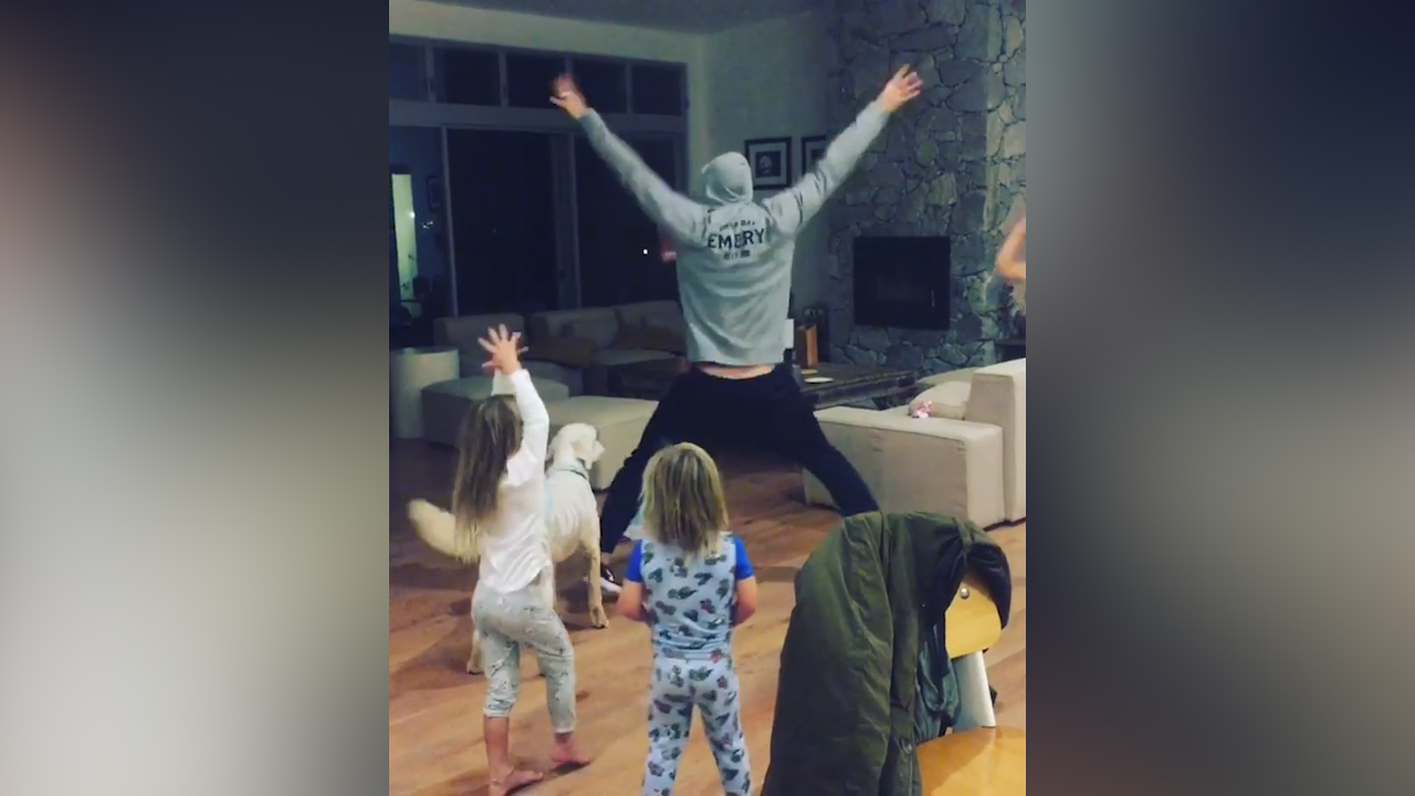 Chris Hemsworth dances with his kids and dog to 'Wrecking Ball'