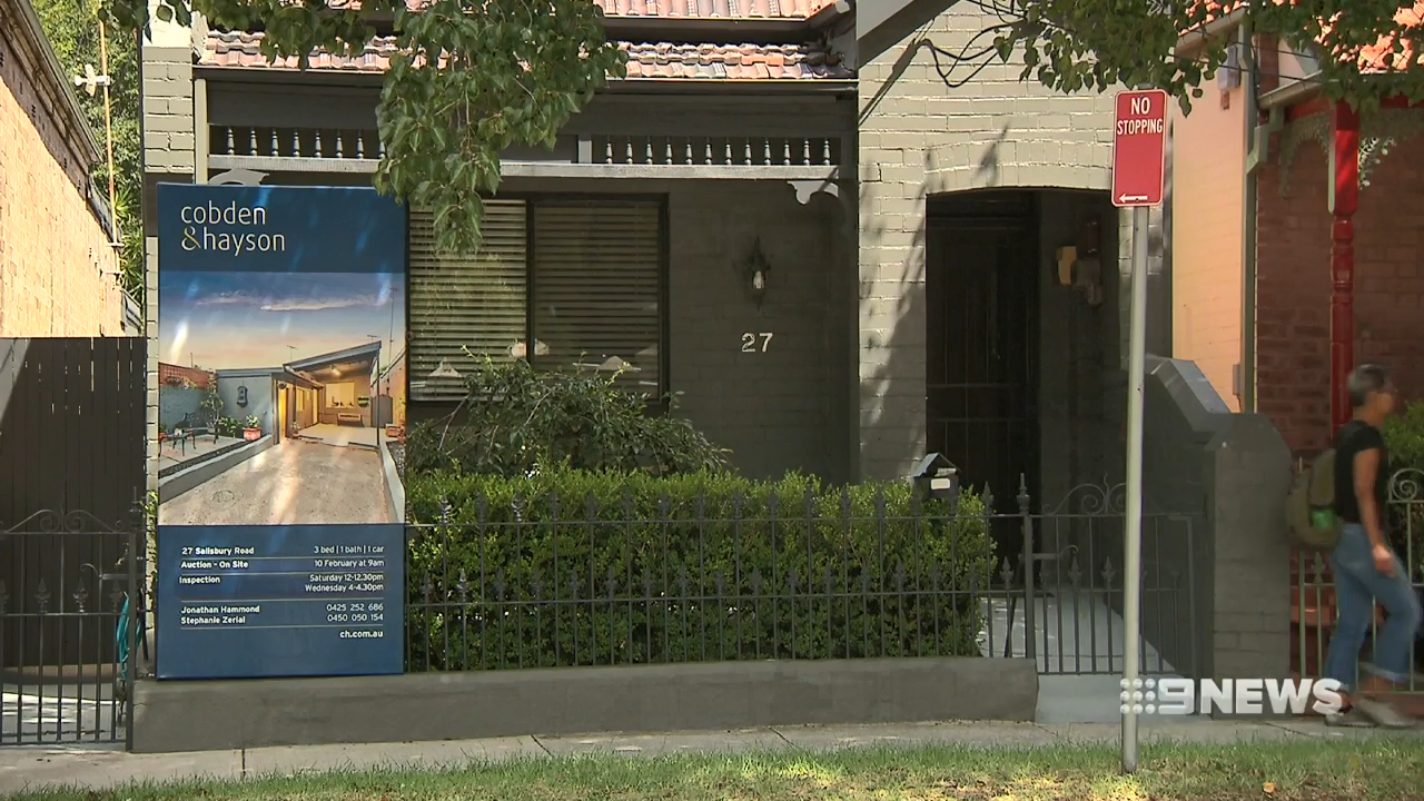Bank predicts property prices to fall in Victoria