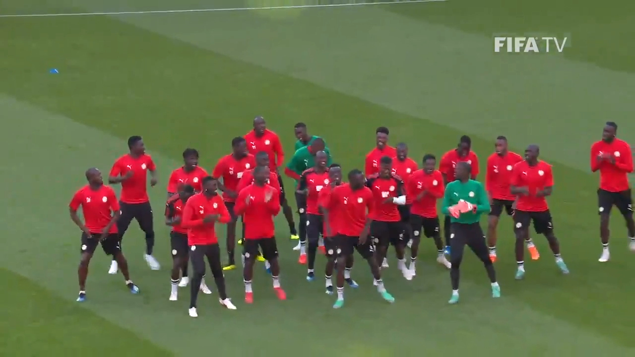 Senegal warm up with dance-off