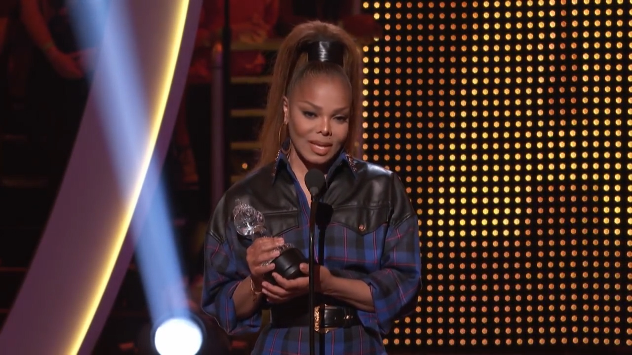 Janet Jackson pays tribute to father Joe Jackson in emotional speech