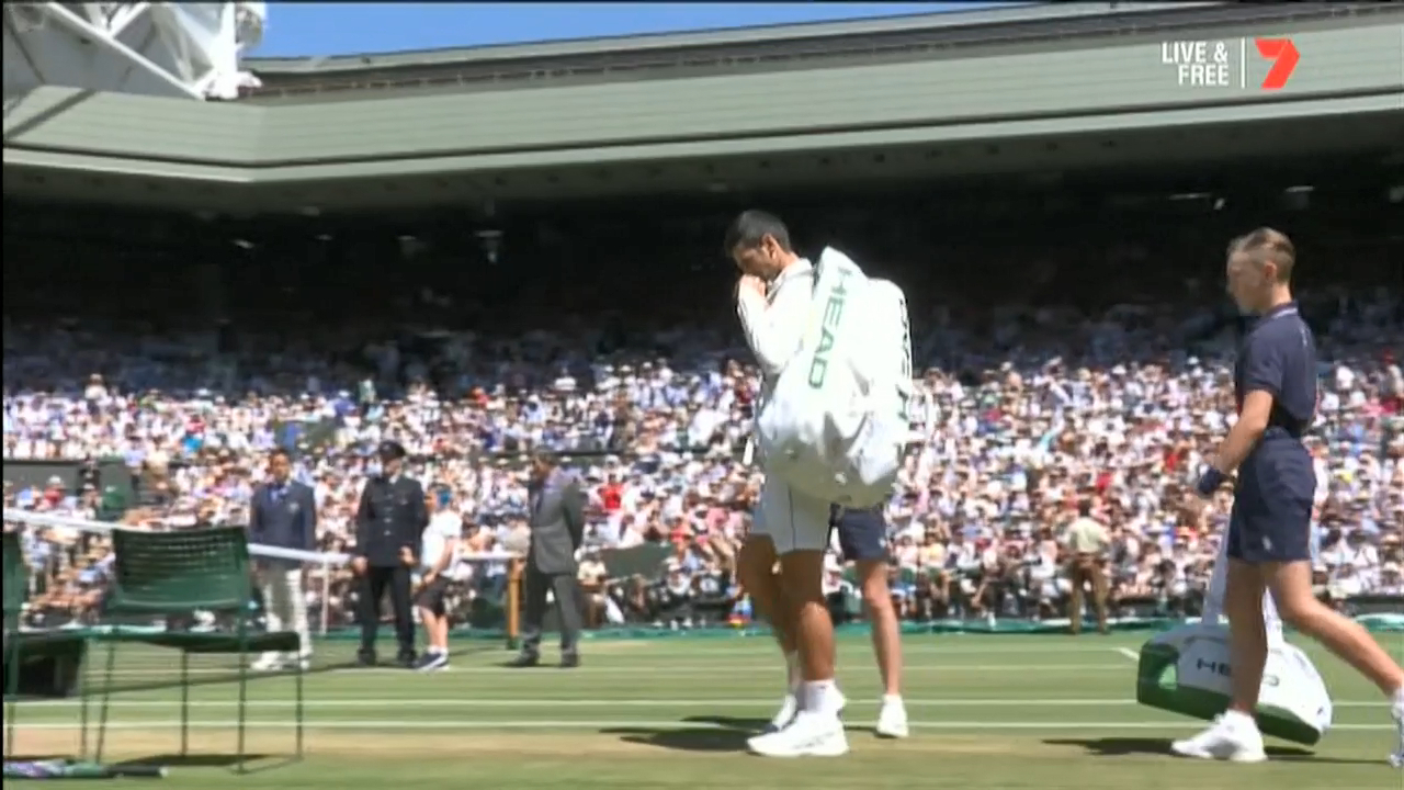 Djokovic and Anderson arrive on Centre Court