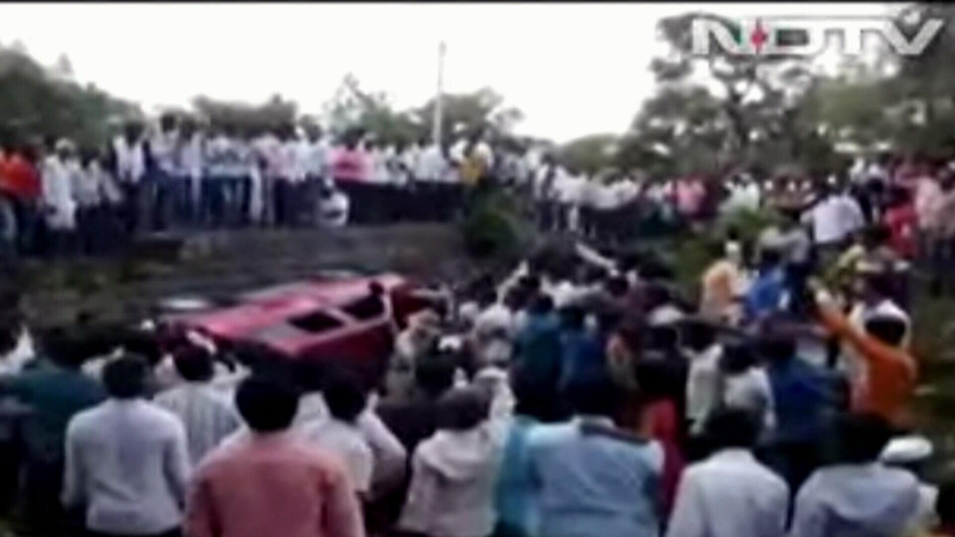 Whatsapp rumour sparks mob lynching