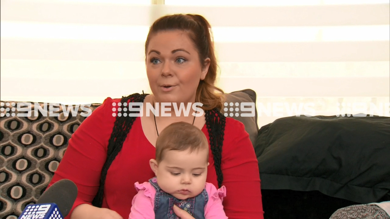 Mum kicked out of parents' room for pumping breast milk