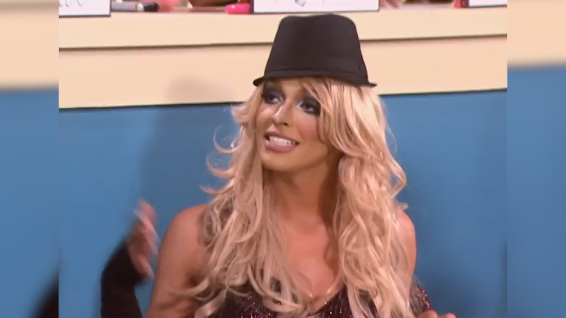 RuPaul's Drag Race: Tatianna plays Britney Spears