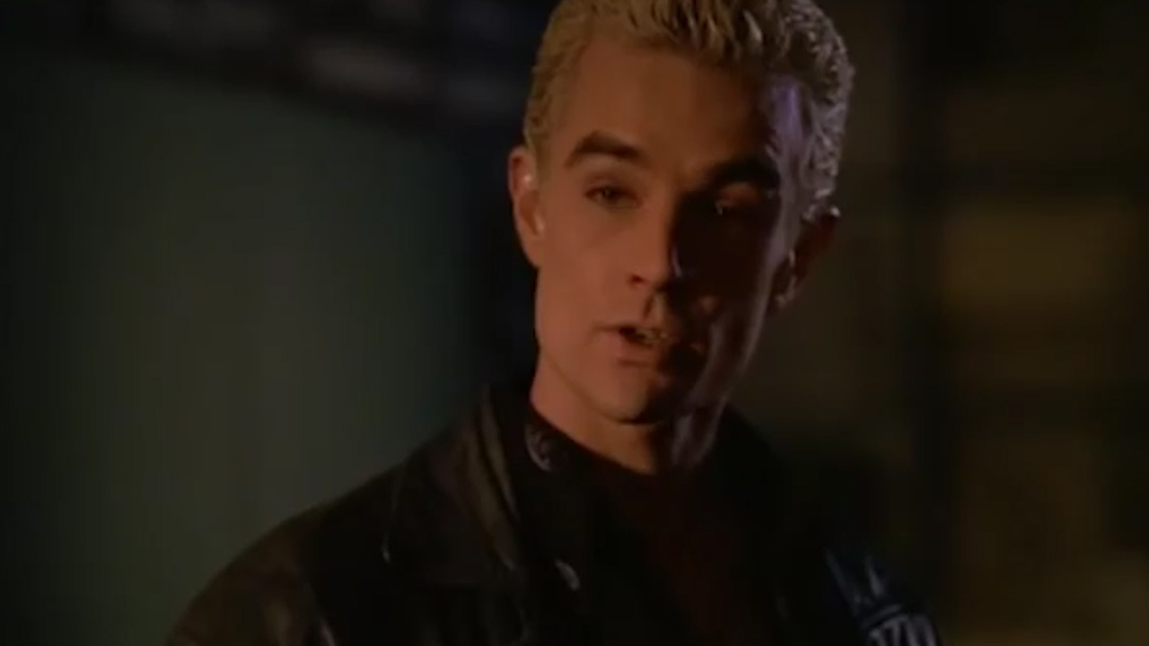 Buffy and Spike fight on 'Buffy the Vampire Slayer'