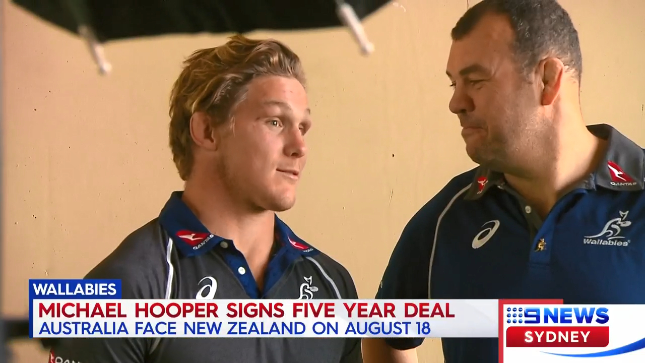 Hooper signs new deal with Wallabies