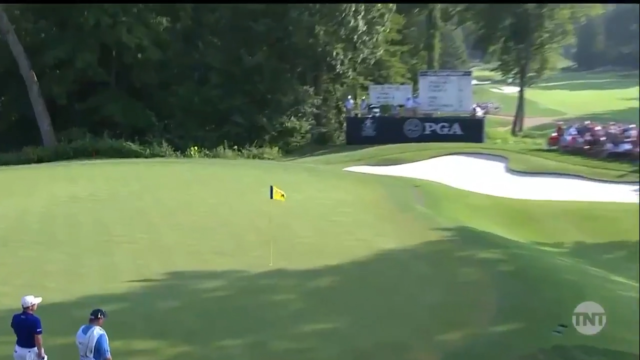 McIlroy holes out from the cabbage