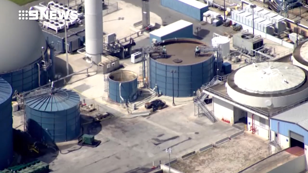 Worker dies after falling into a vat of oil