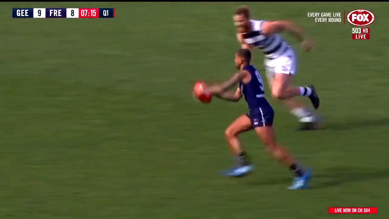 Hill puts Dockers ahead early