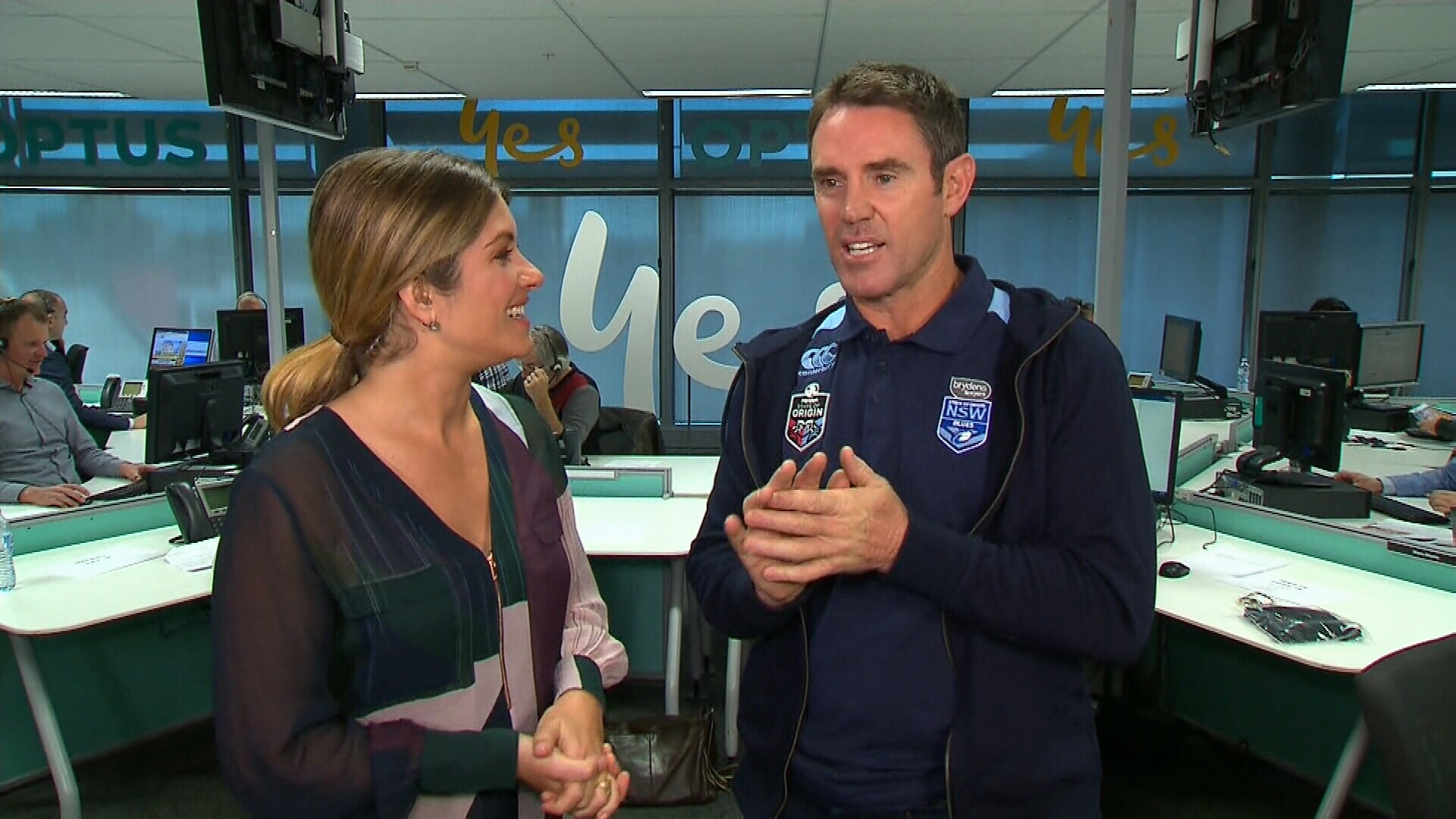 Brad Fittler joins Natalia at the Optus call centre