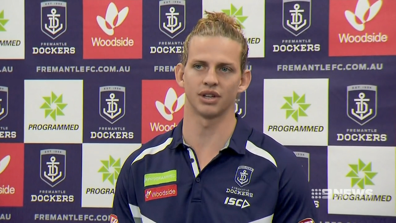 Fyfe comes to Lyon's defence