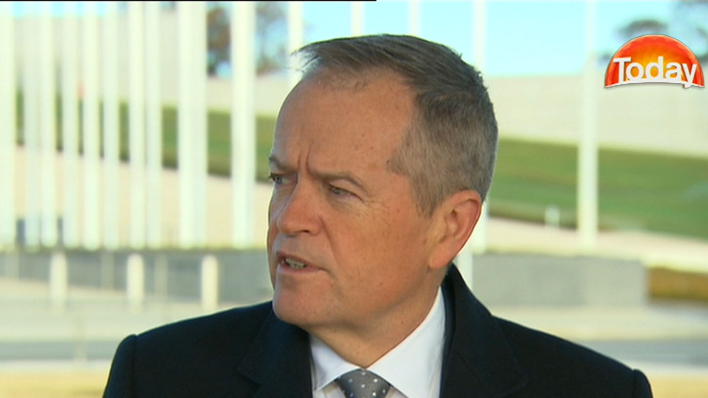 Bill Shorten says Malcolm Turnbull is 'pretending' to run the country
