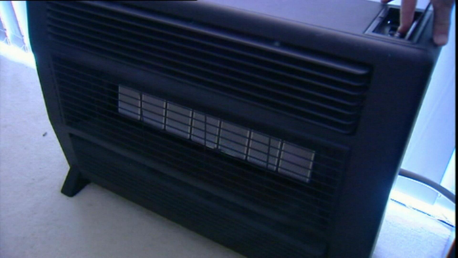Victorian coroner calls for phasing out of open gas heaters