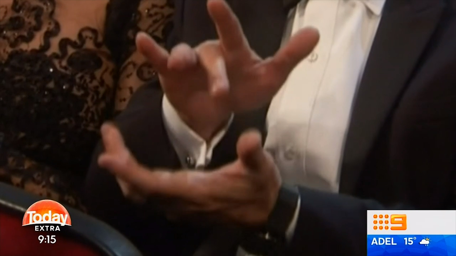 Antonio Banderas' strange clapping at the Emmy Awards goes viral